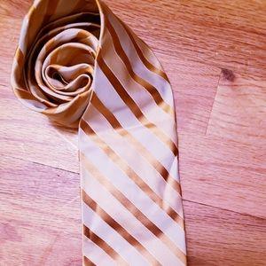 Calvin Klein 100% silk stripe tie 👍